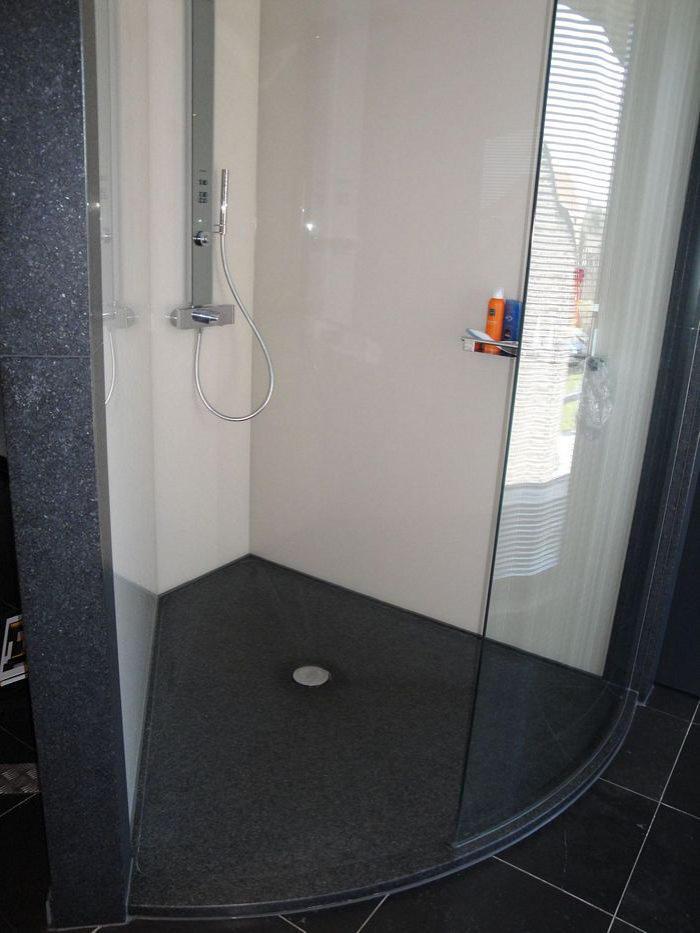 Douche dorpel composiet home design idee n en meubilair inspiraties - Renoveren meubilair badkamer ...